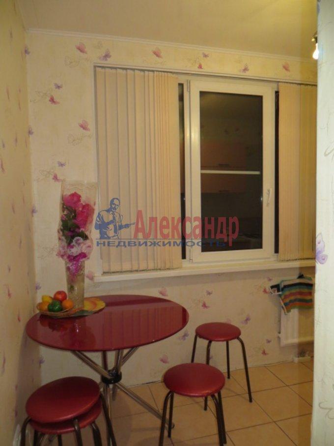 1-комнатная квартира (35м2) в аренду по адресу Славы пр., 16— фото 3 из 4