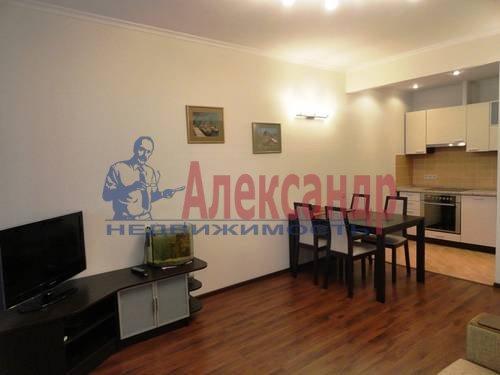 2-комнатная квартира (75м2) в аренду по адресу Есенина ул., 1— фото 1 из 7