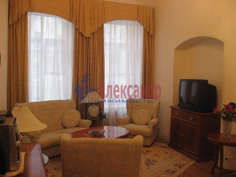 1-комнатная квартира (70м2) в аренду по адресу Рубинштейна ул., 3— фото 1 из 13