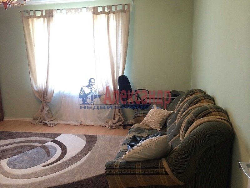 2-комнатная квартира (50м2) в аренду по адресу Савушкина ул., 137— фото 1 из 6