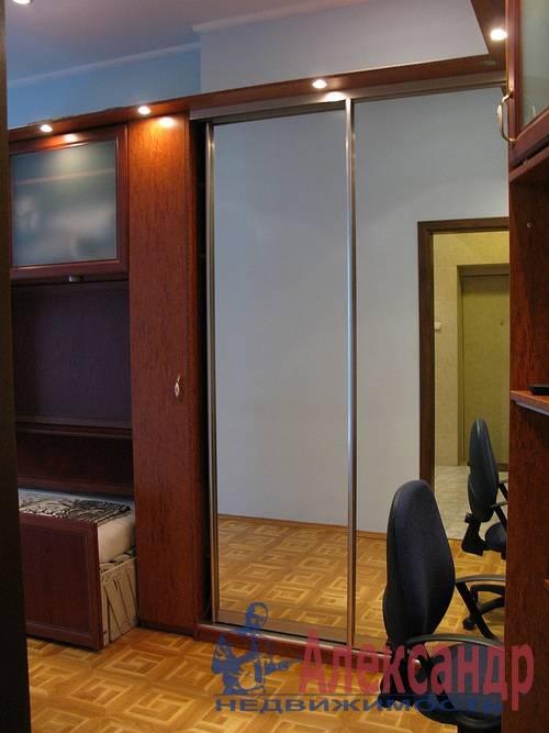 2-комнатная квартира (80м2) в аренду по адресу Веденеева ул., 2— фото 7 из 9