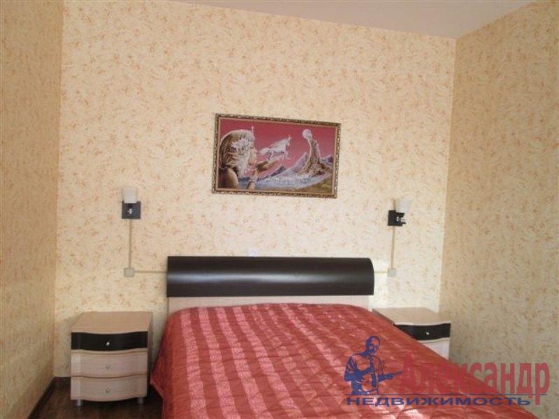 Комната в 2-комнатной квартире (35м2) в аренду по адресу Искровский пр., 19— фото 1 из 4