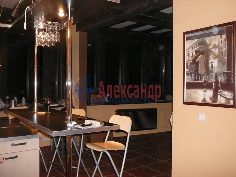 3-комнатная квартира (110м2) в аренду по адресу Савушкина ул.— фото 4 из 6