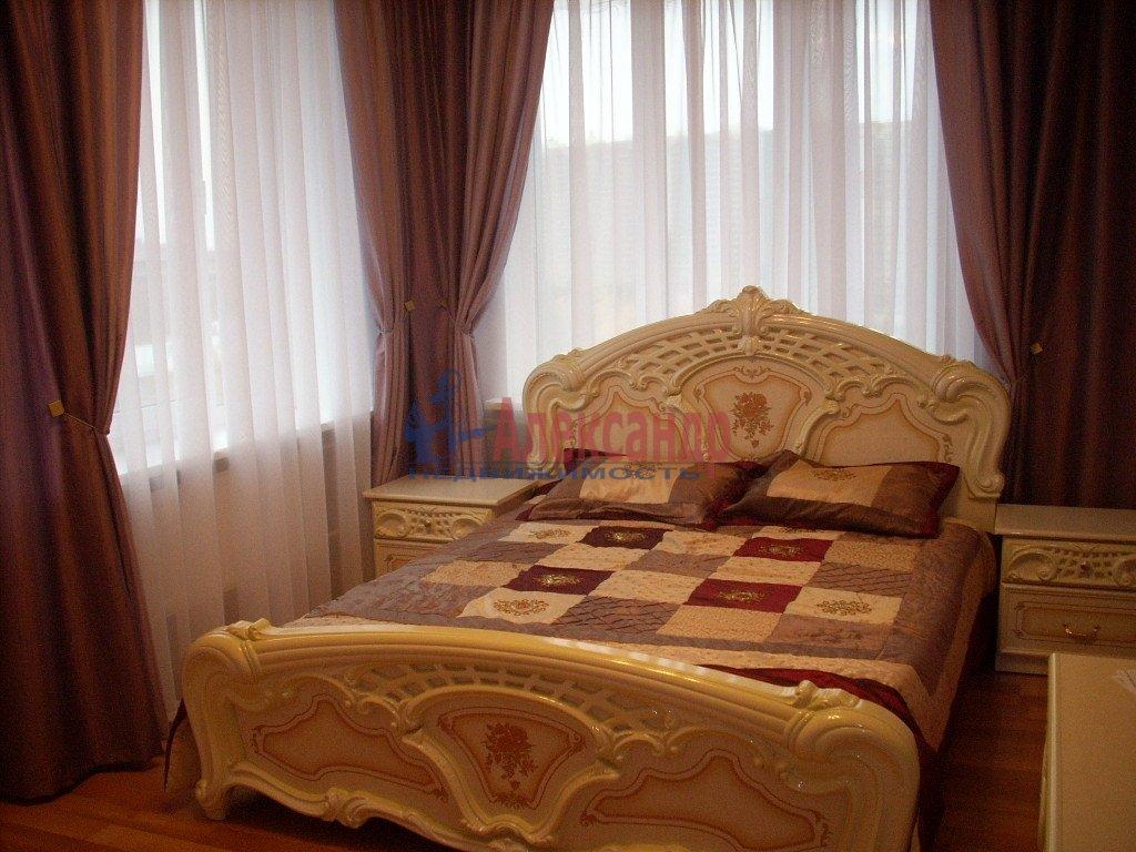1-комнатная квартира (35м2) в аренду по адресу Смольный пр., 7— фото 2 из 3