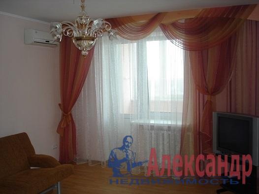 3-комнатная квартира (62м2) в аренду по адресу Будапештская ул., 63— фото 1 из 5
