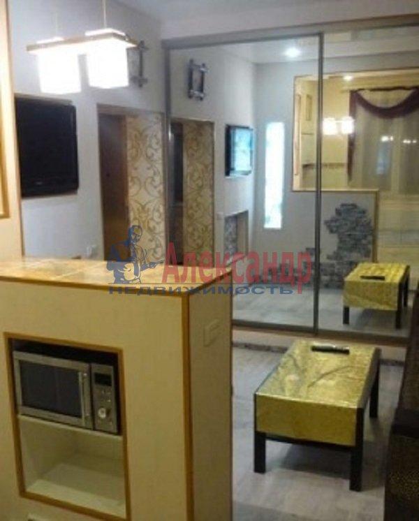 2-комнатная квартира (61м2) в аренду по адресу Туристская ул., 10— фото 1 из 7