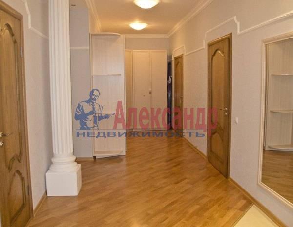 2-комнатная квартира (75м2) в аренду по адресу Кирочная ул., 8— фото 7 из 10