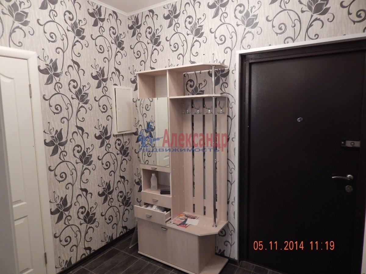 1-комнатная квартира (43м2) в аренду по адресу Мурино пос., Привокзальная пл., 3— фото 6 из 9