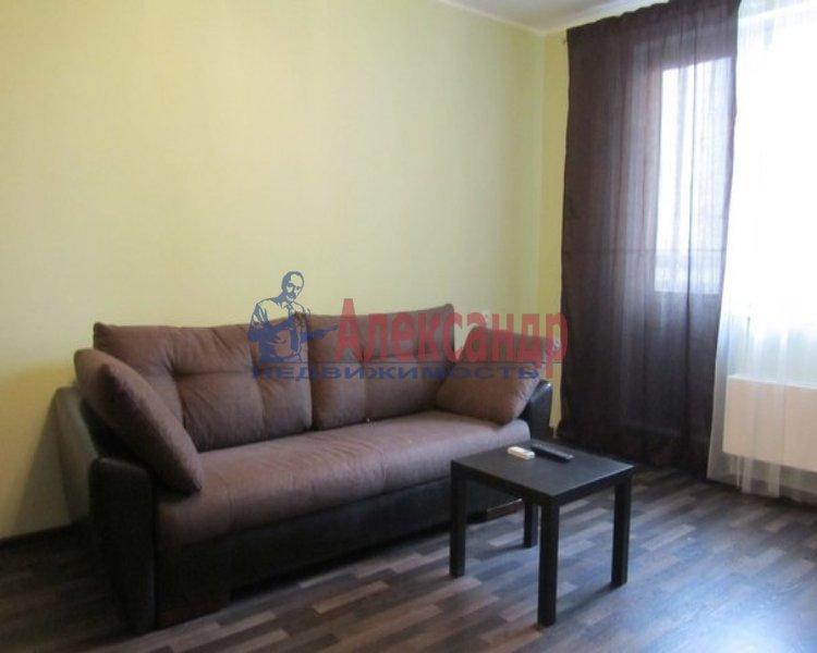 1-комнатная квартира (38м2) в аренду по адресу 2 Жерновская ул., 25— фото 2 из 2