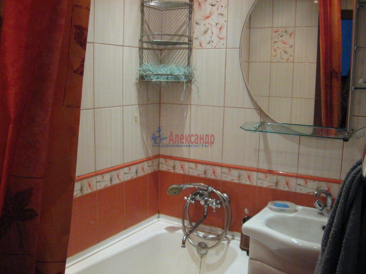 Комната в 2-комнатной квартире (55м2) в аренду по адресу Пограничника Гарькавого ул., 40— фото 3 из 6