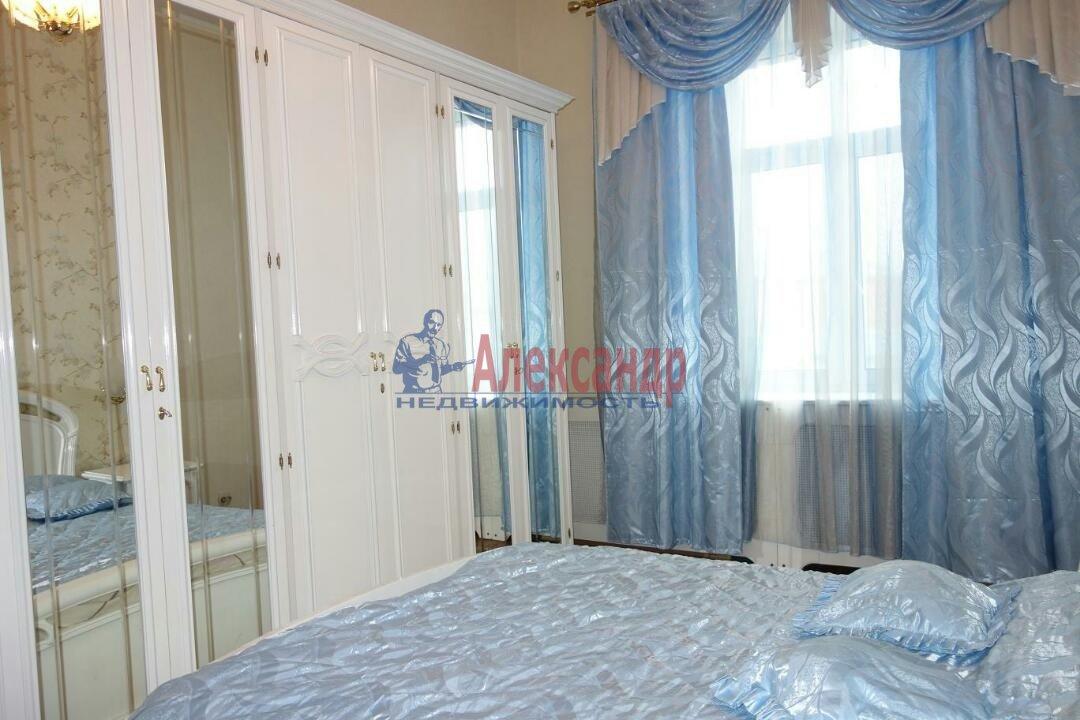 2-комнатная квартира (74м2) в аренду по адресу Кронверкский пр., 23— фото 2 из 9