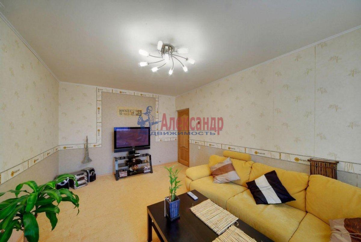 2-комнатная квартира (60м2) в аренду по адресу Ленинский пр., 114— фото 1 из 6