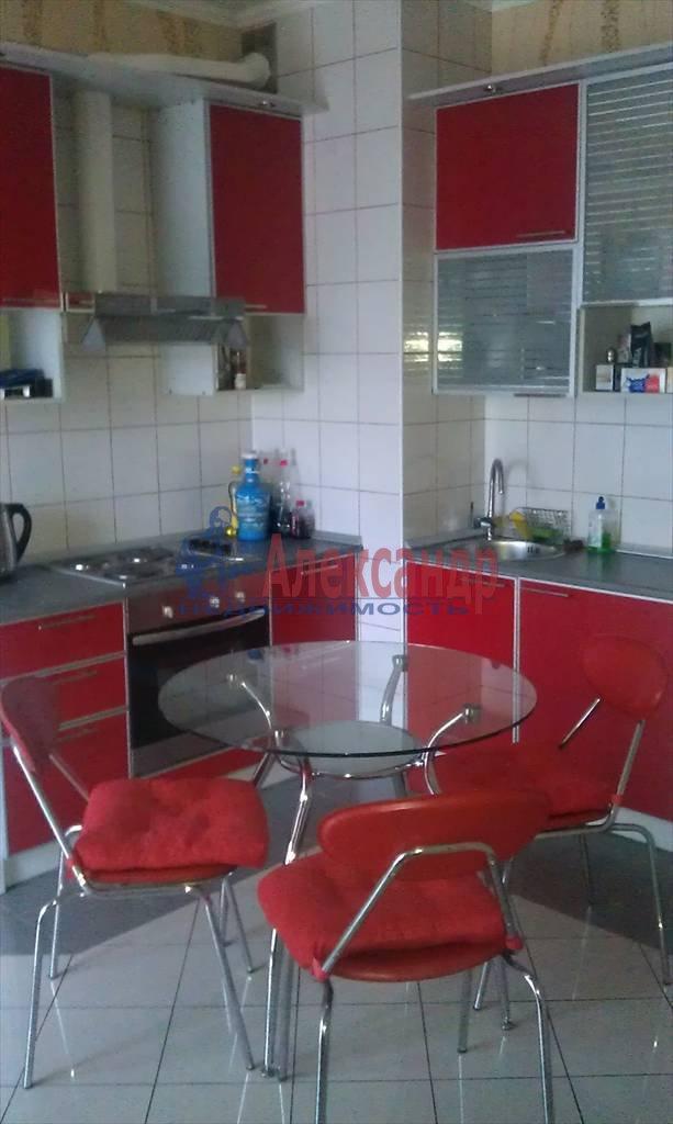 2-комнатная квартира (60м2) в аренду по адресу Оренбургская ул., 2— фото 1 из 5