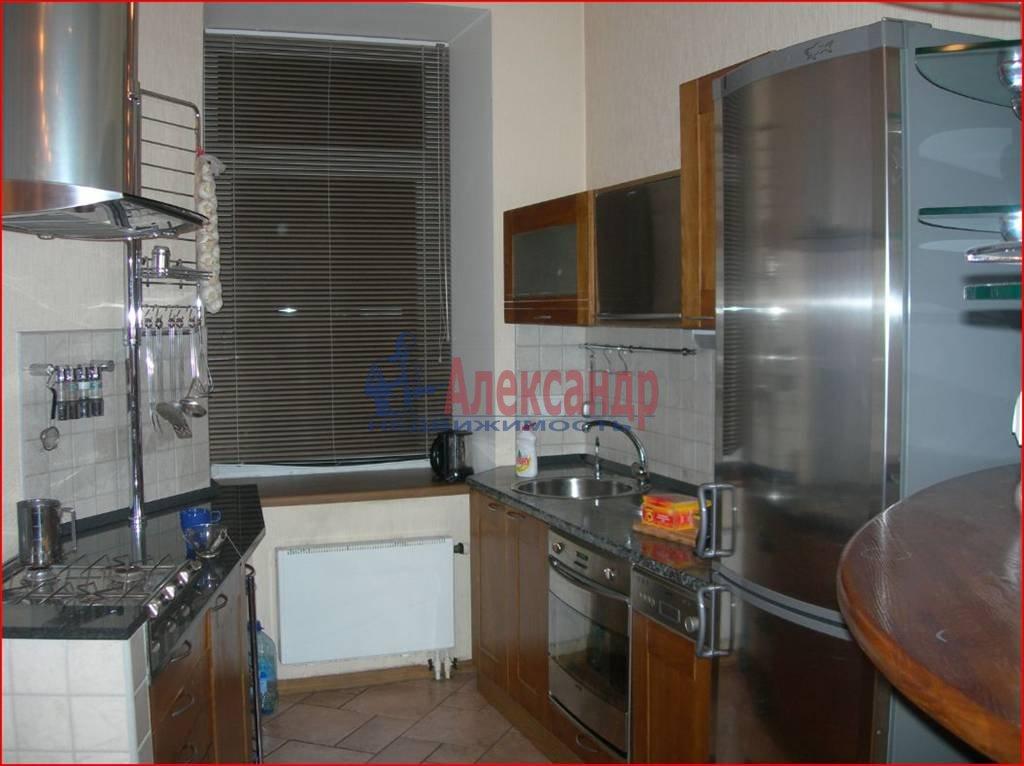 3-комнатная квартира (100м2) в аренду по адресу Большая Посадская ул., 14— фото 2 из 7