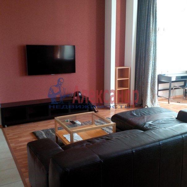 2-комнатная квартира (70м2) в аренду по адресу Кирочная ул., 22— фото 2 из 4