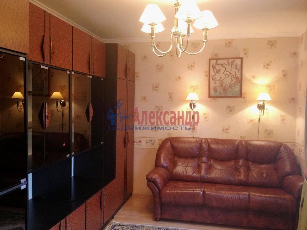 2-комнатная квартира (60м2) в аренду по адресу Испытателей пр., 6— фото 8 из 16