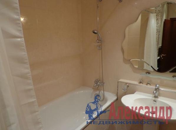 1-комнатная квартира (35м2) в аренду по адресу Октябрьская наб., 124— фото 2 из 2