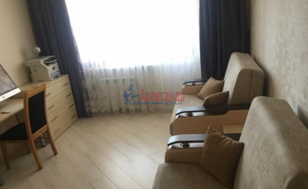 2-комнатная квартира (49м2) в аренду по адресу Лени Голикова ул., 62— фото 3 из 6