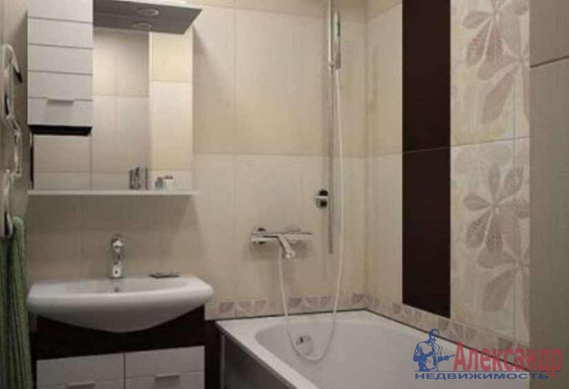 2-комнатная квартира (65м2) в аренду по адресу Нахимова ул., 15— фото 4 из 4