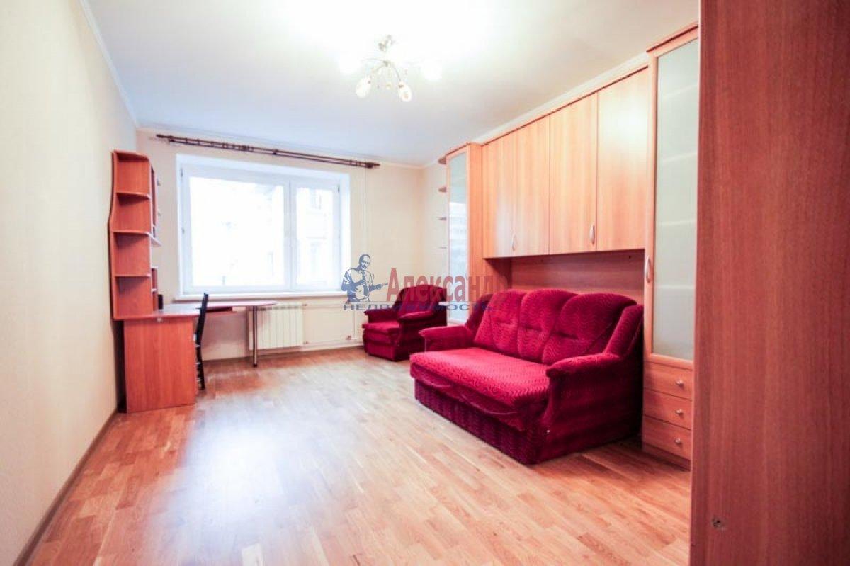 3-комнатная квартира (100м2) в аренду по адресу Ветеранов пр., 52— фото 7 из 11