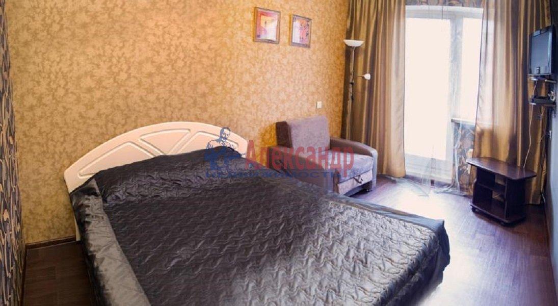 3-комнатная квартира (72м2) в аренду по адресу Художников пр., 13— фото 2 из 5
