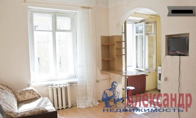 2-комнатная квартира (65м2) в аренду по адресу Лиговский пр., 168— фото 1 из 3