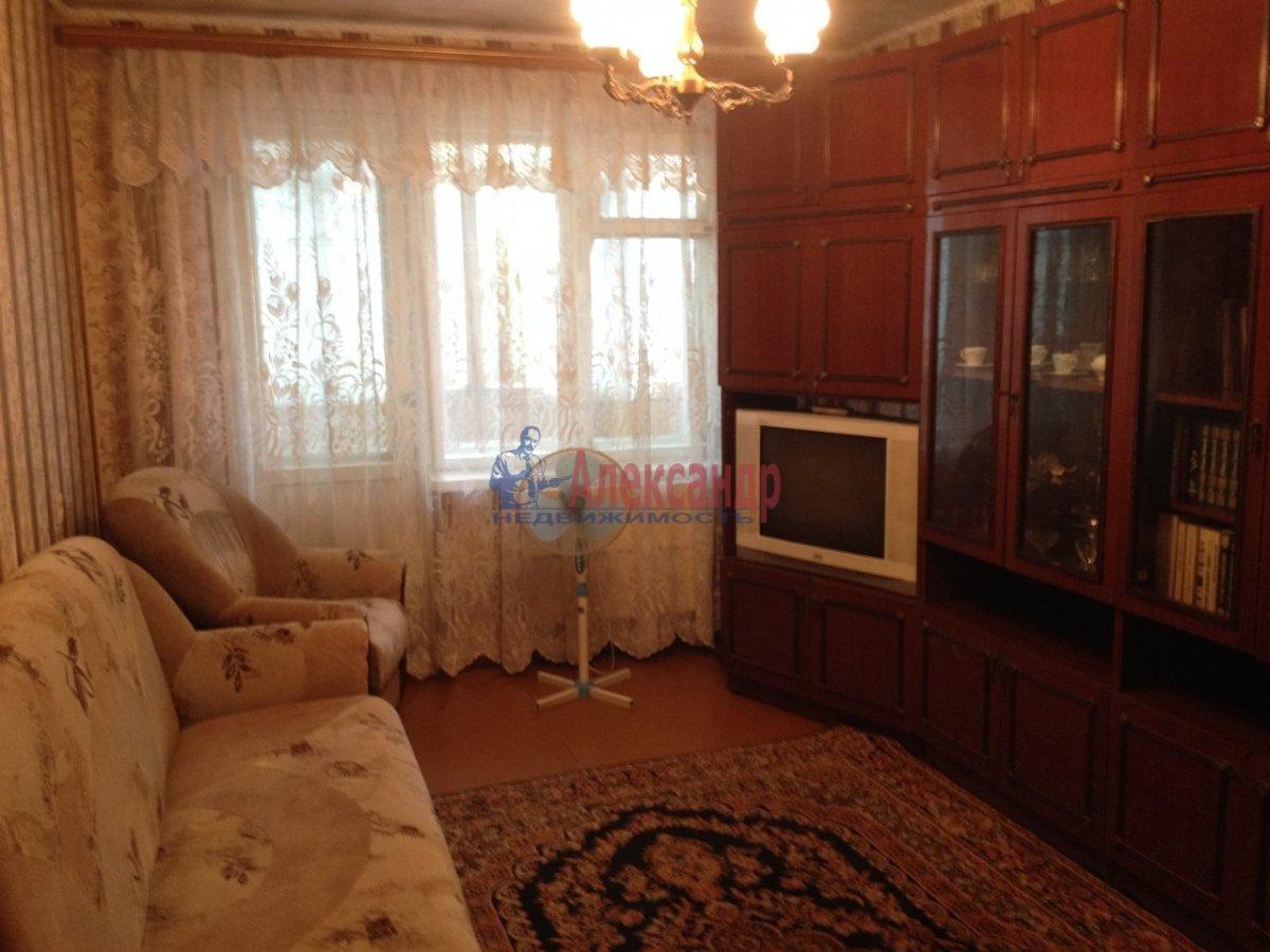 1-комнатная квартира (38м2) в аренду по адресу Российский пр., 5— фото 1 из 8