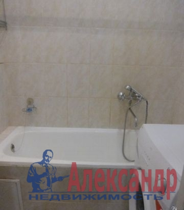 1-комнатная квартира (40м2) в аренду по адресу Комендантская пл., 8— фото 3 из 3