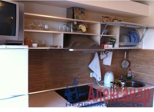 1-комнатная квартира (40м2) в аренду по адресу Есенина ул., 1— фото 1 из 3