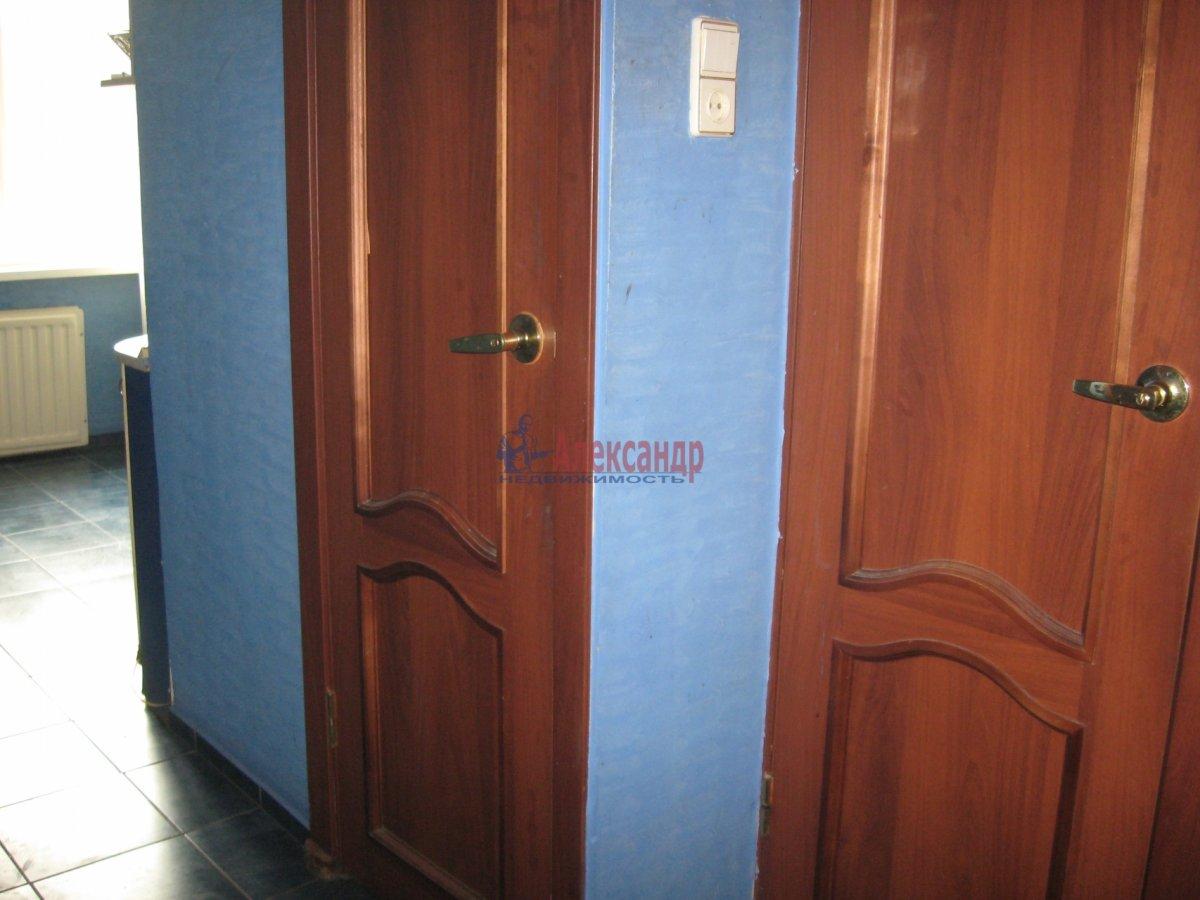 Комната в 2-комнатной квартире (55м2) в аренду по адресу Пограничника Гарькавого ул., 40— фото 5 из 6