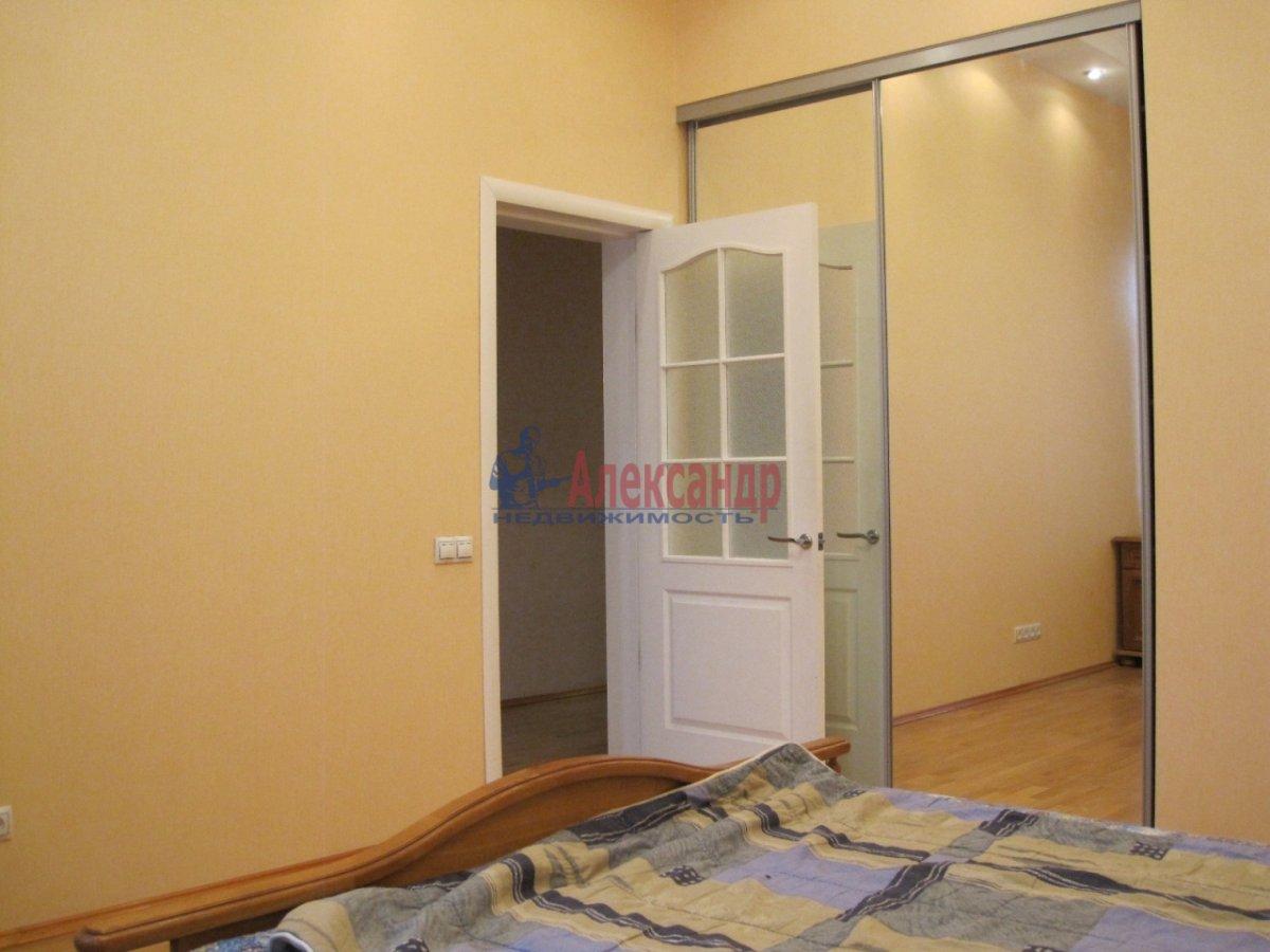 4-комнатная квартира (110м2) в аренду по адресу Спасский пер., 3— фото 3 из 10