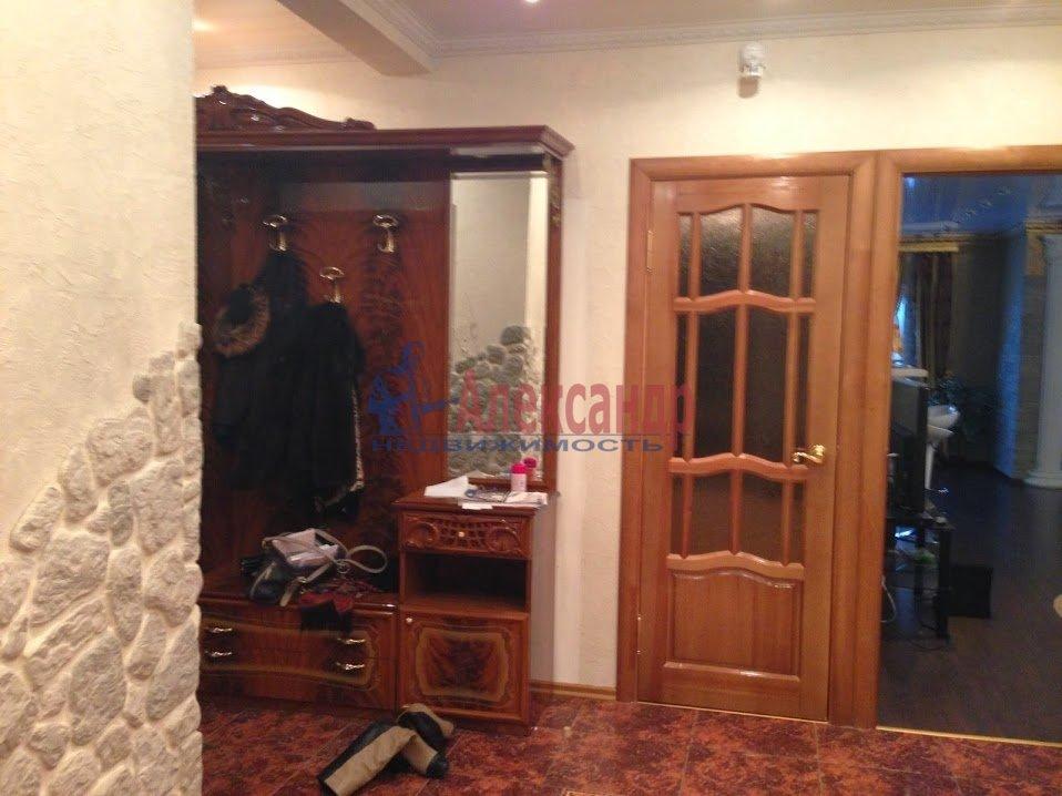 3-комнатная квартира (120м2) в аренду по адресу Выборг г., Московский просп., 9— фото 3 из 6