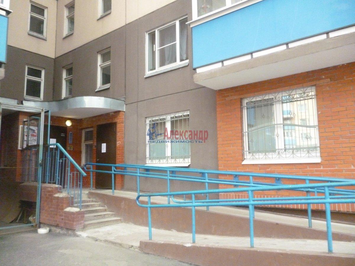 1-комнатная квартира (43м2) в аренду по адресу Рыбацкий пр., 35— фото 2 из 12