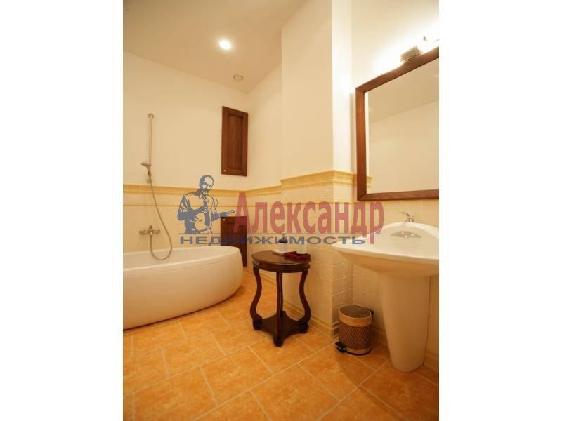 1-комнатная квартира (45м2) в аренду по адресу Английская наб., 20— фото 2 из 4