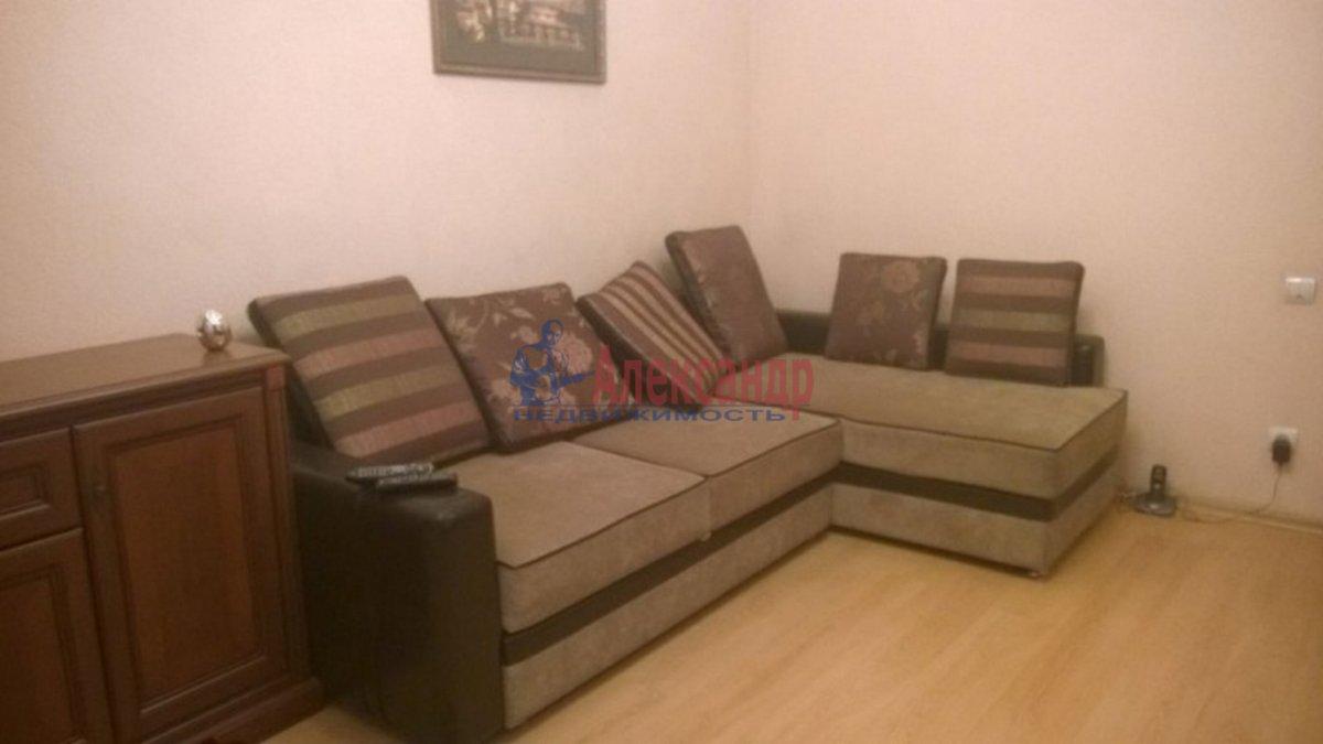 2-комнатная квартира (45м2) в аренду по адресу Московский просп., 18— фото 1 из 3