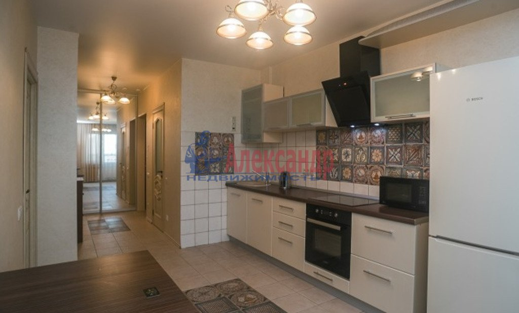 2-комнатная квартира (54м2) в аренду по адресу Земледельческая ул., 5— фото 1 из 4
