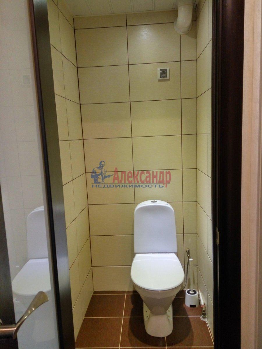 1-комнатная квартира (33м2) в аренду по адресу Художников пр., 19— фото 8 из 11