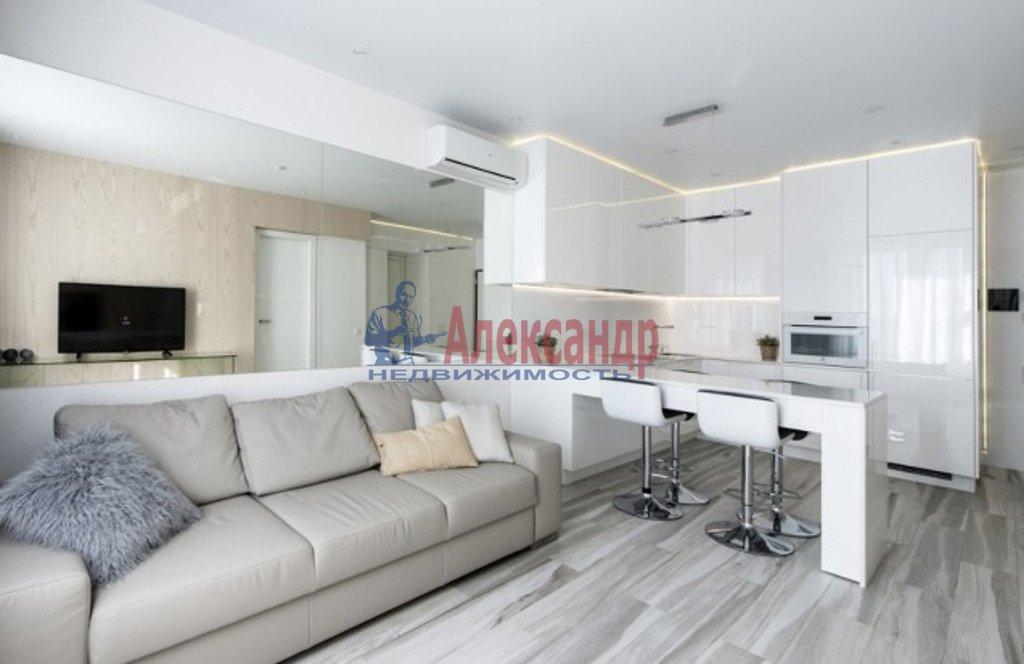 2-комнатная квартира (78м2) в аренду по адресу Новочеркасский пр., 33— фото 1 из 4