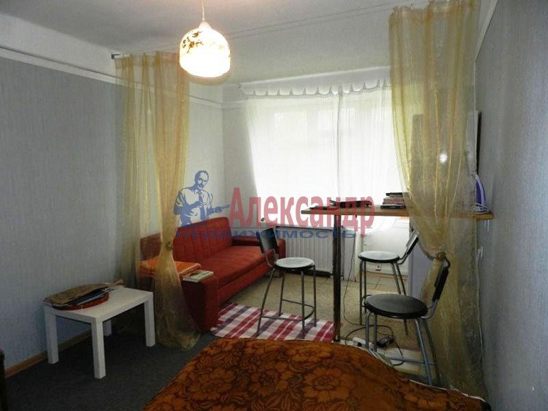 1-комнатная квартира (38м2) в аренду по адресу Школьная ул., 2— фото 1 из 5