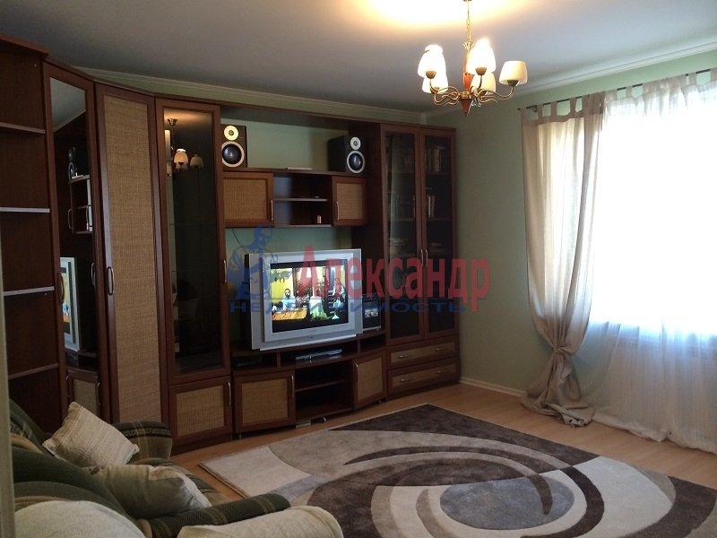 2-комнатная квартира (50м2) в аренду по адресу Савушкина ул., 137— фото 2 из 6