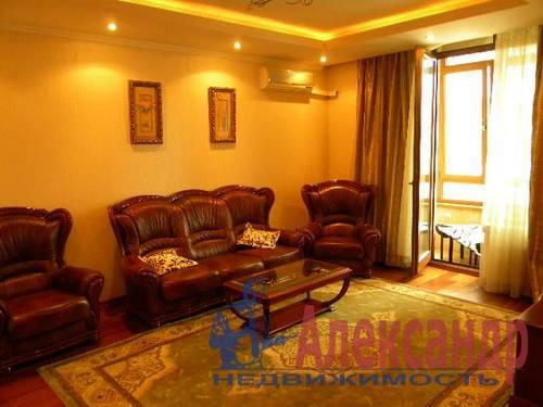 2-комнатная квартира (74м2) в аренду по адресу Декабристов ул., 16— фото 5 из 10