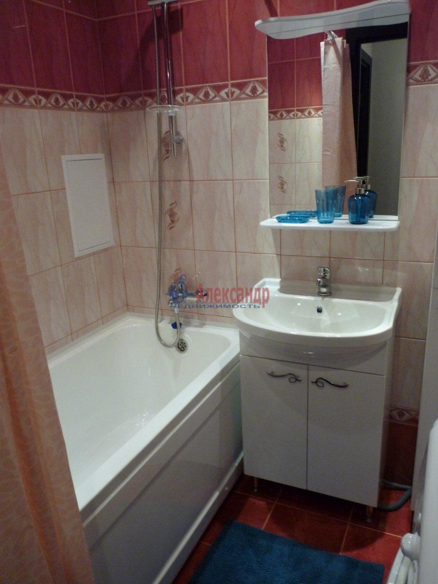 2-комнатная квартира (59м2) в аренду по адресу Обуховской Обороны пр., 138— фото 12 из 13