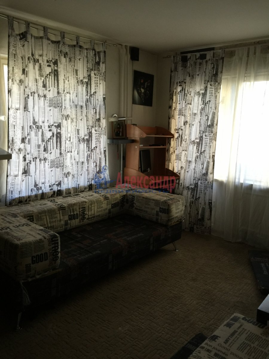 1-комнатная квартира (35м2) в аренду по адресу Пулковская ул., 8— фото 4 из 5