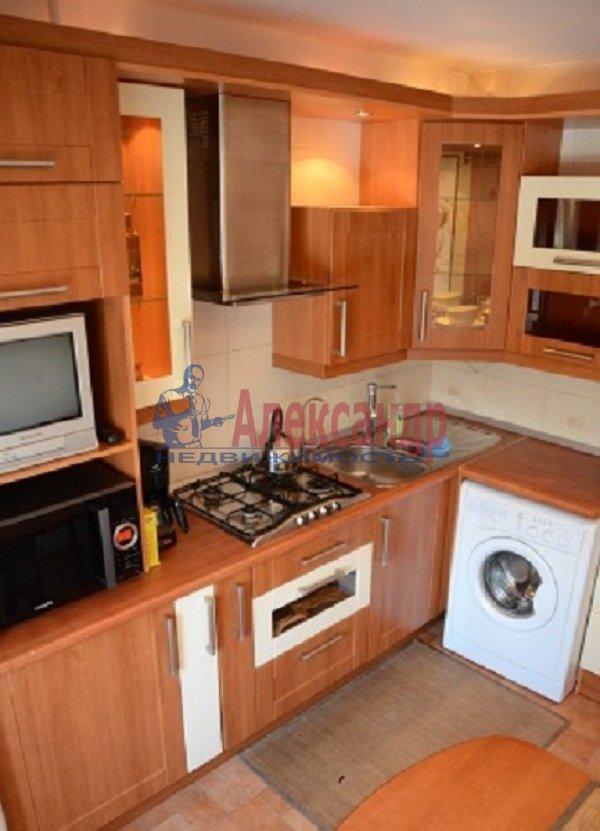 1-комнатная квартира (45м2) в аренду по адресу Светлановский просп., 99— фото 1 из 8