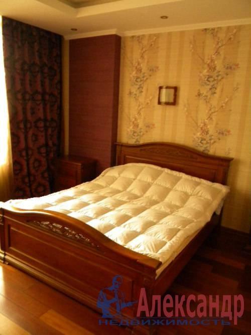 2-комнатная квартира (74м2) в аренду по адресу Декабристов ул., 16— фото 4 из 10