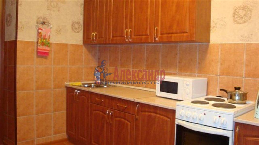 1-комнатная квартира (40м2) в аренду по адресу Типанова ул., 38— фото 1 из 8