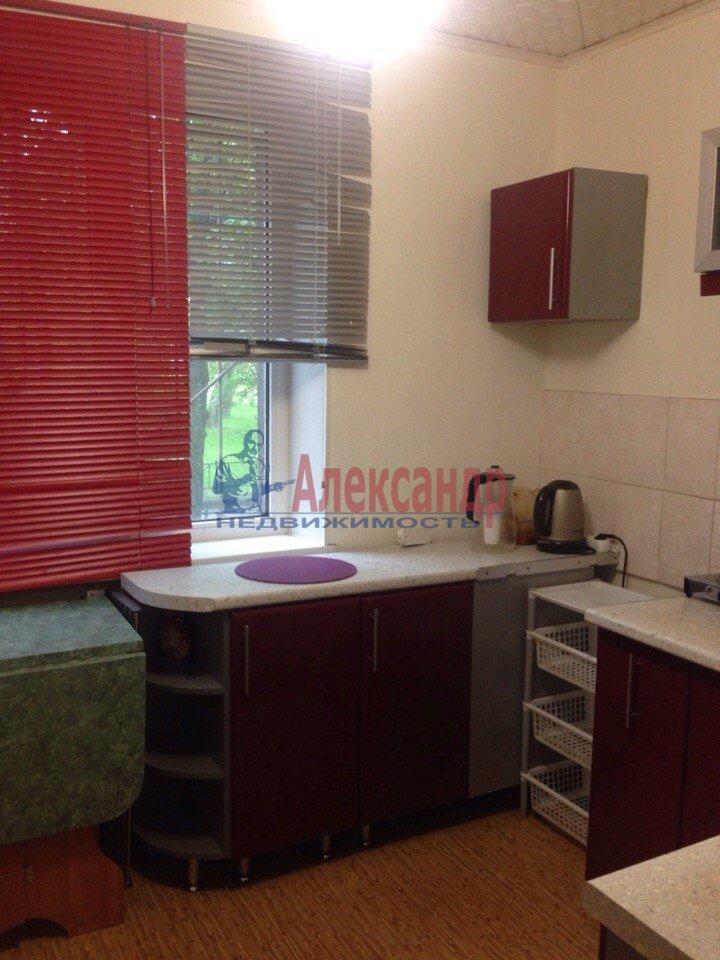 1-комнатная квартира (37м2) в аренду по адресу Передовиков ул., 29— фото 2 из 7