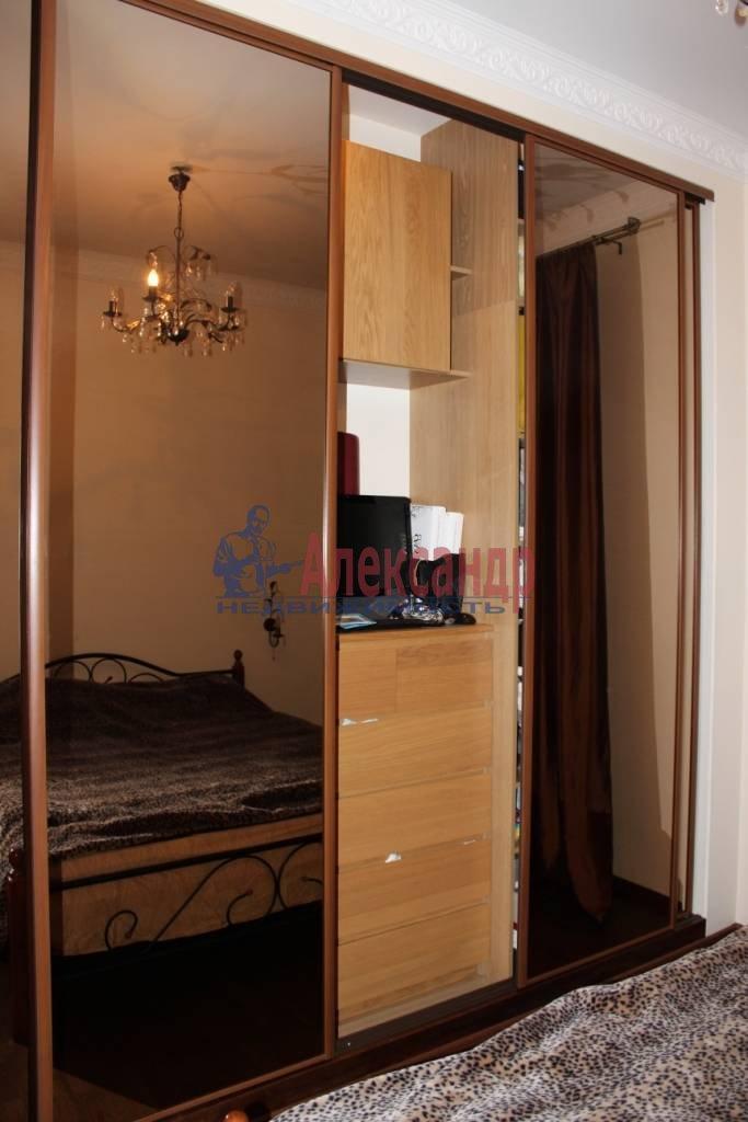 2-комнатная квартира (75м2) в аренду по адресу Ленина пл., 3— фото 7 из 9