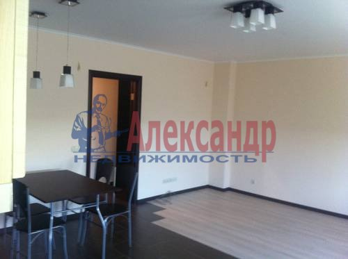 2-комнатная квартира (60м2) в аренду по адресу Пулковская ул., 6— фото 5 из 8