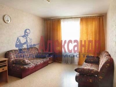 1-комнатная квартира (43м2) в аренду по адресу Нахимова ул., 11— фото 2 из 3